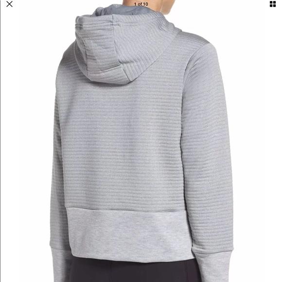 6afc686d64ff Nike Women s Dry Ribbed Hoodie. M 5a4dce4385e605881e04d45b